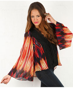 Throw with Lace in Reservation Print