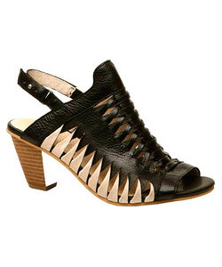 Varesa - Black Leather Sandal